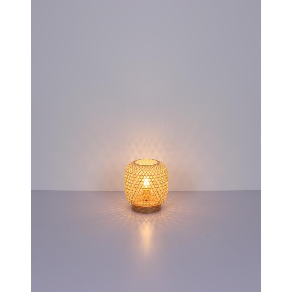 LED landelijke tafellamp bamboe - E25 fitting - sfeerfoto lamp aan