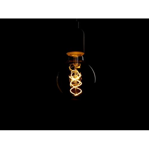 LED dimbare filament lamp globe G95 5 Watt grote fitting E27 2200K Extra Warm wit - donkere achtergrond