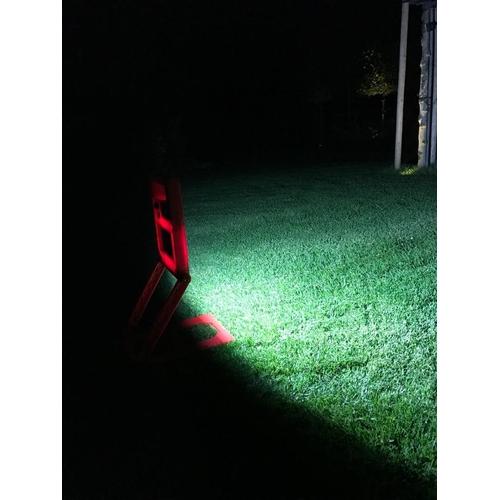 led bouwlamp 20W op accu inklapbaar - sfeerfoto