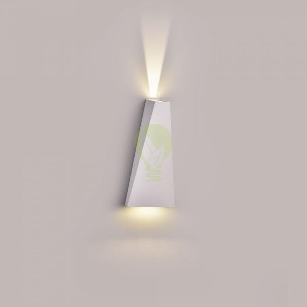 LED buiten wandlamp driehoek zwart up & down 6 Watt - 3000K - IP65 - Wit - sfeerfoto