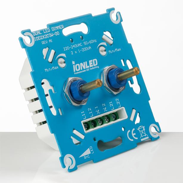 Duo LED Dimmer IDD2x200w (schuin-1)