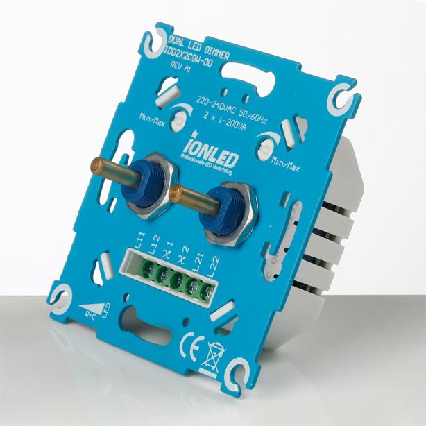 Duo LED Dimmer IDD2x200w (schuin)