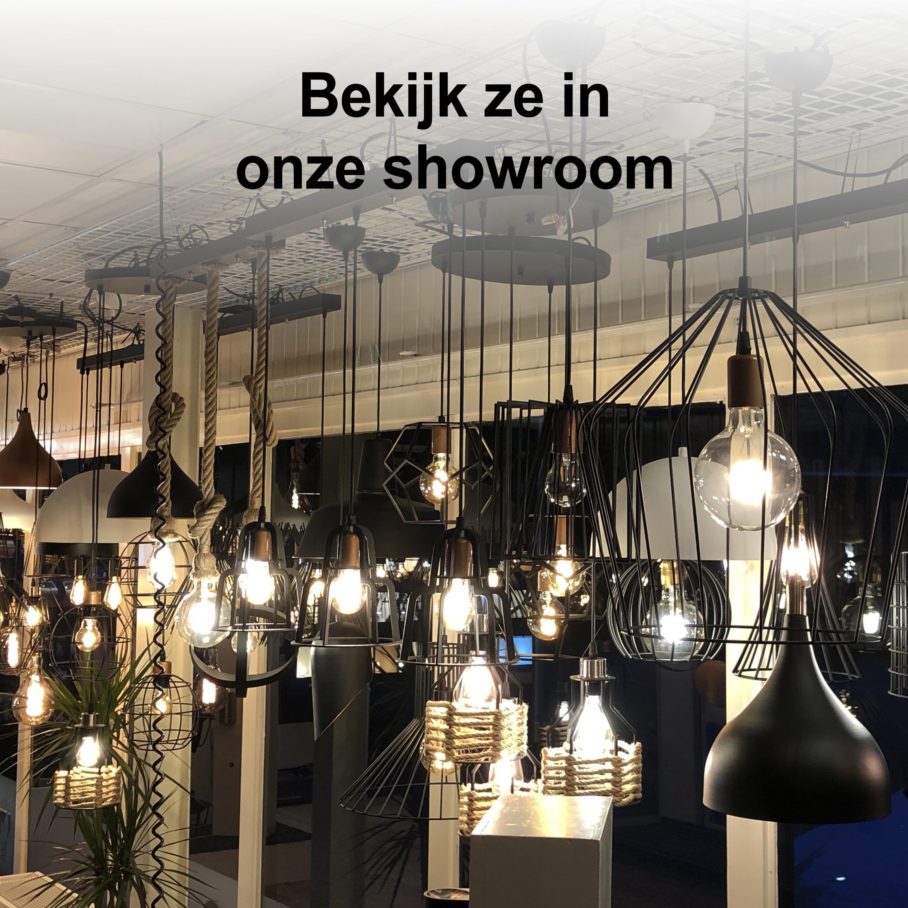 Sfeerfoto hanglampen showroom LedLoket