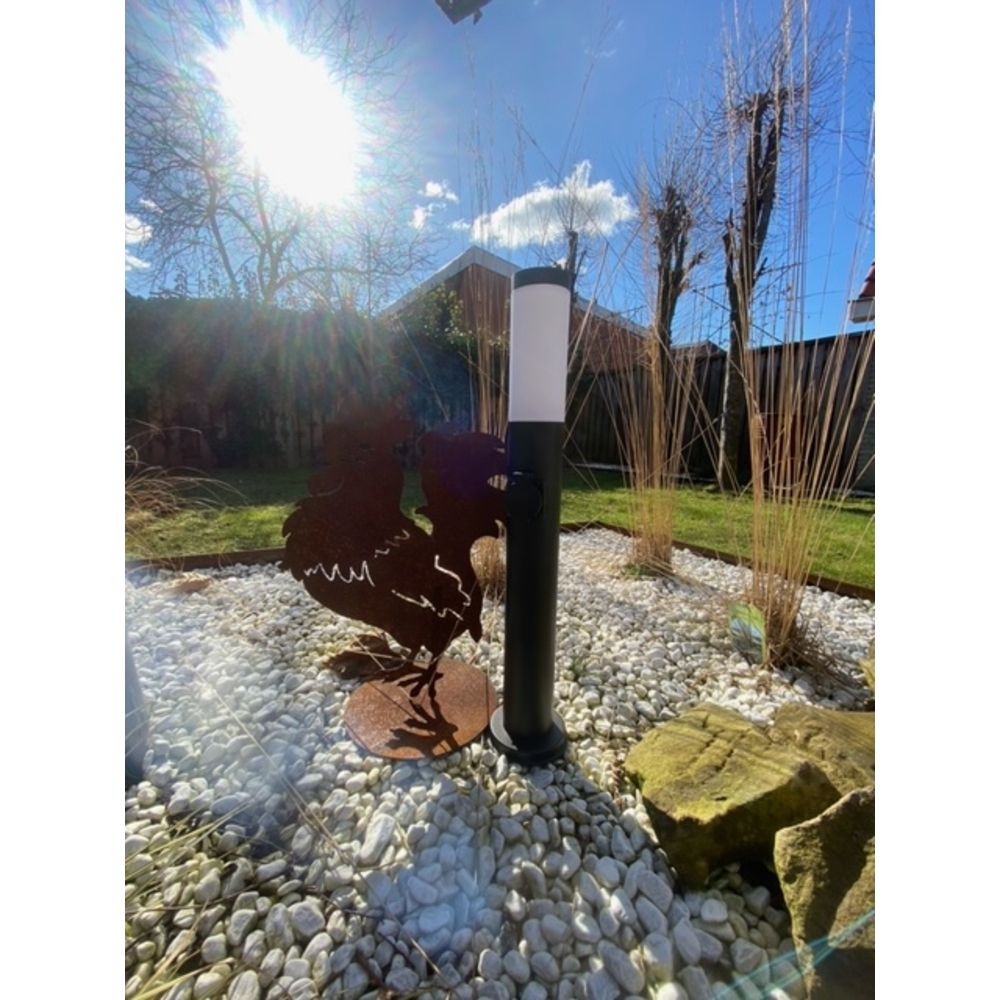 LED Tuinpaal met stopcontact - zwart - rond - IP44 - 65cm - sfeerfoto 3
