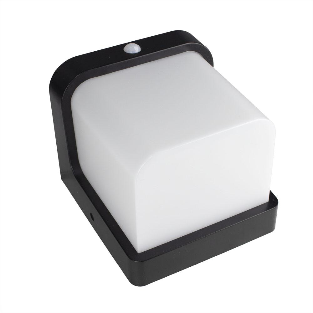 Buiten wandlamp met sensor IP54 zwart wit - liggend
