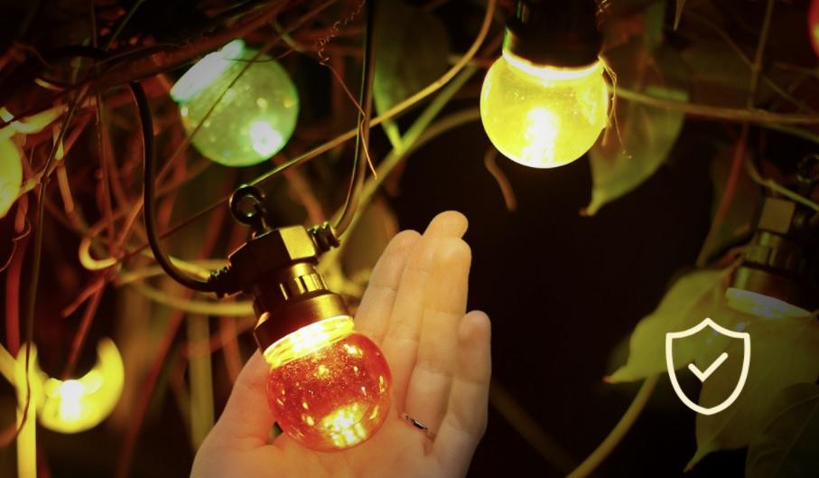 Sfeerfoto lichtsnoer - prikkabel met gekleurde lampen - 8 meter