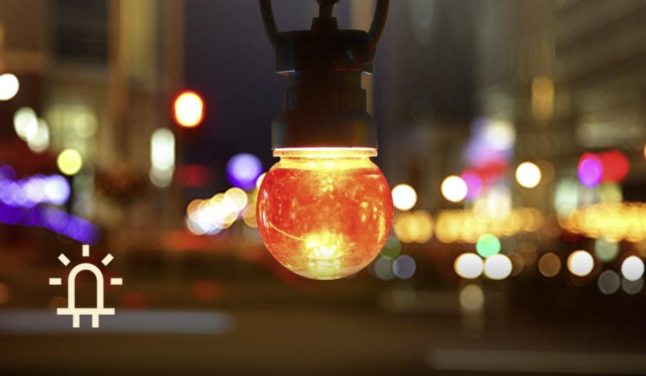 Sfeerfoto lichtsnoer - prikkabel met gekleurde lampen - 8 meter - waterbestendig