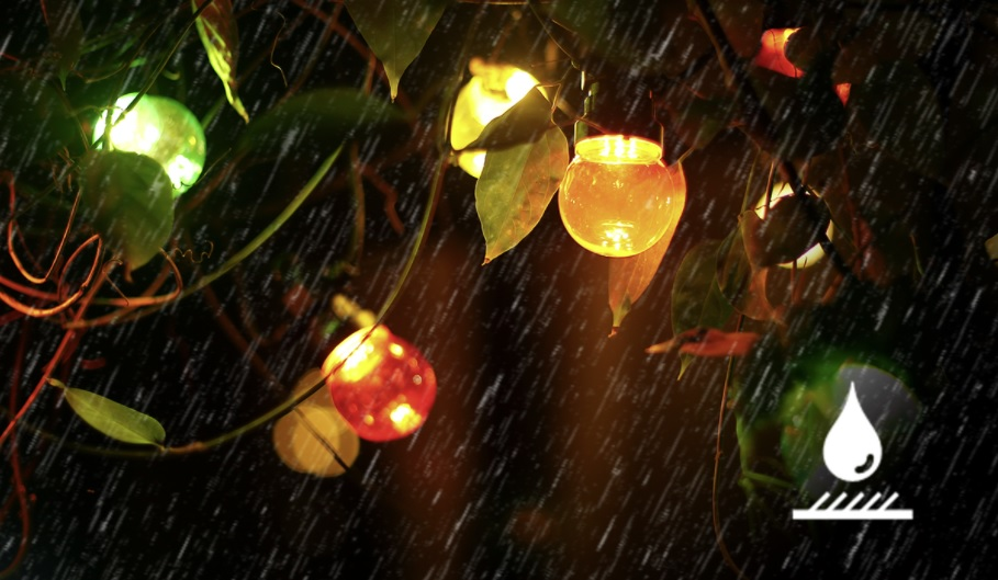 Sfeerfoto lichtsnoer - prikkabel met gekleurde lampen - 8 meter - waterbestendig 2