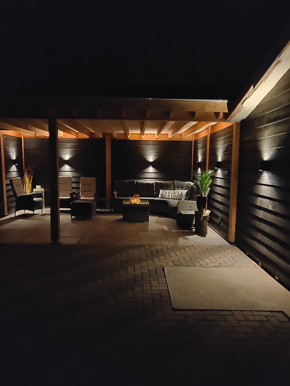 Sfeerimpressie LED verlichting overkapping - tuinverlichting