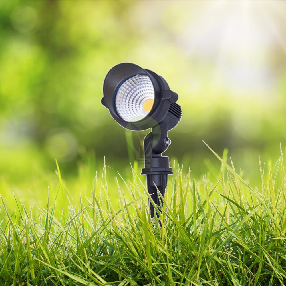 LED Tuinspot grondspot met spies in het gras 10 watt