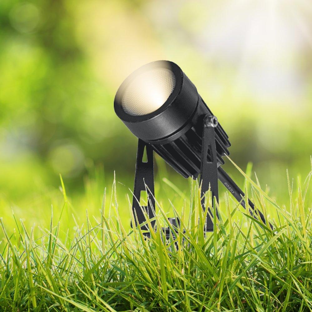 Tuinspot - grondspot met spies - aardepin - sfeerbeeld