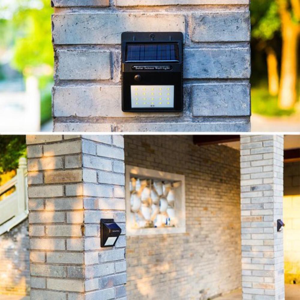Wandlamp solar met schemersensor zwart 3 Watt - sfeerfoto muur buiten