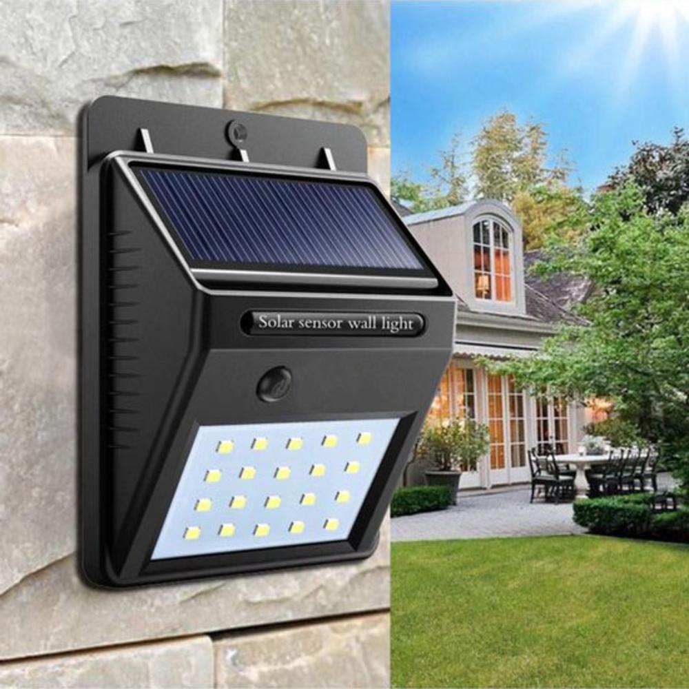 Wandlamp solar met schemersensor zwart 3 Watt - sfeerfoto muur
