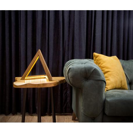 houten LED tafellamp driehoek sfeerfoto